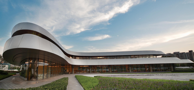 《序赞扎哈・哈迪德作品集》@2019-12-11_P10扎哈.哈迪德建筑师事务所设计的望京SOHO_10-7.jpg